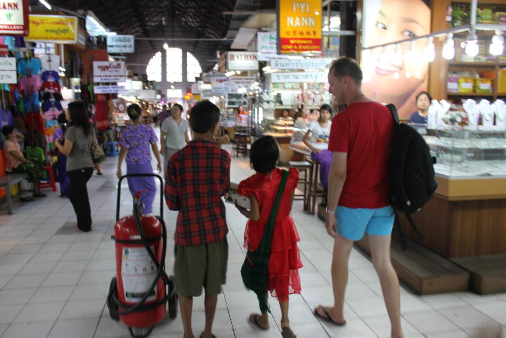 John shopping with Maudreyou and Keto.